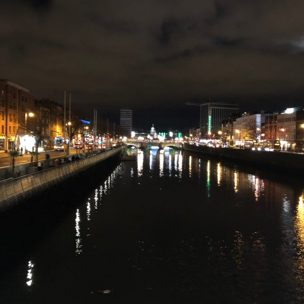 Dublin at night, 2019  theunravelling.net